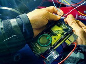 日本1ミニジープ大容量バッテリー1回の充電で100km走る